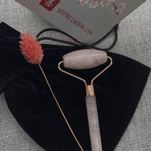 Ridoki en quartz rose avec rouleau et Gua Sha
